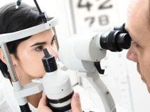 Examen de Salud Visual para evitar enfermedades de los ojos en Clínica Visual del Centro